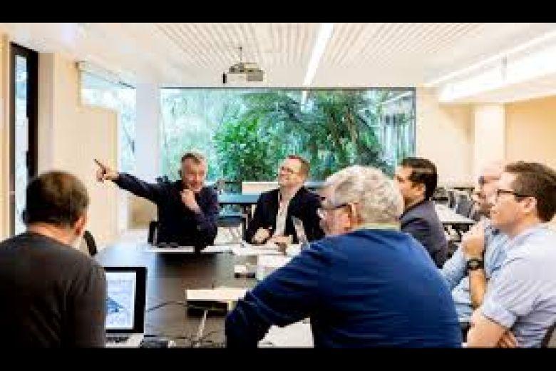 Universidad de Negocios No. 1 de Australia ofrece Becas desde 50% hasta 100%