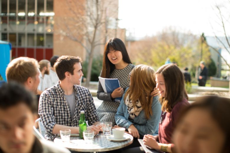 How accommodation features and amenities affect student decision making