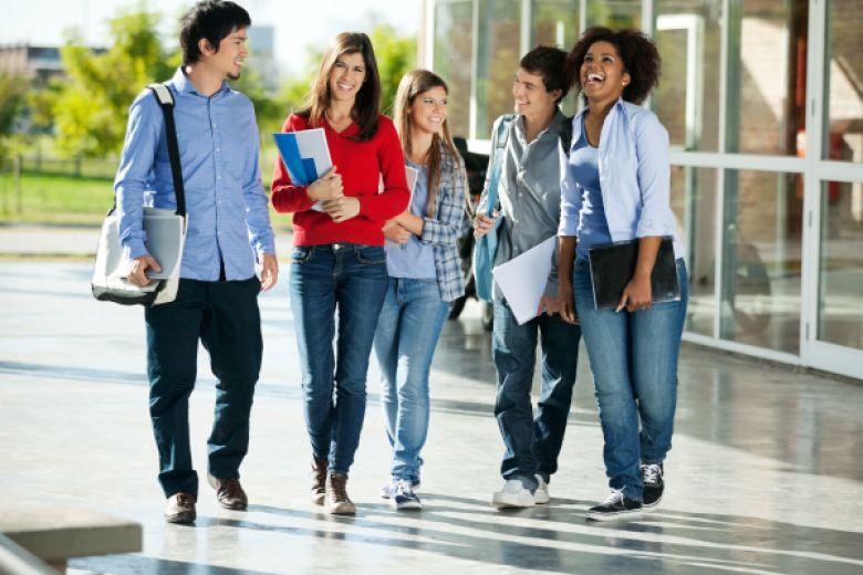 أربع نصائح للطلاب الدوليين المهتمّين بالدّخول إلى المدارس الثانويّة الأميركيّة في العام 2019