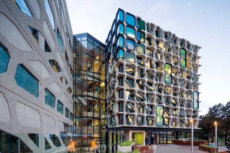 University of Tasmania - HALF PRICE ACCOMMODATION BURSARY IN LAUNCESTON