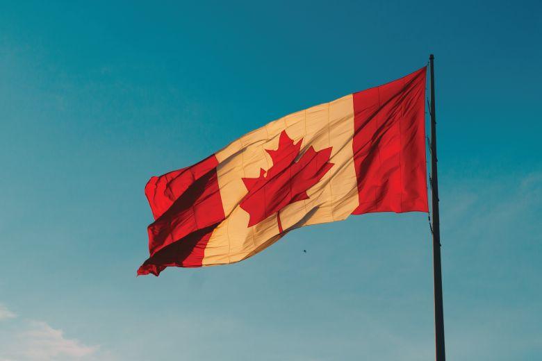 إعفاءات كندا الجديدة من قيود السفر لحماية الكنديين ودعمِ الإقتصاد