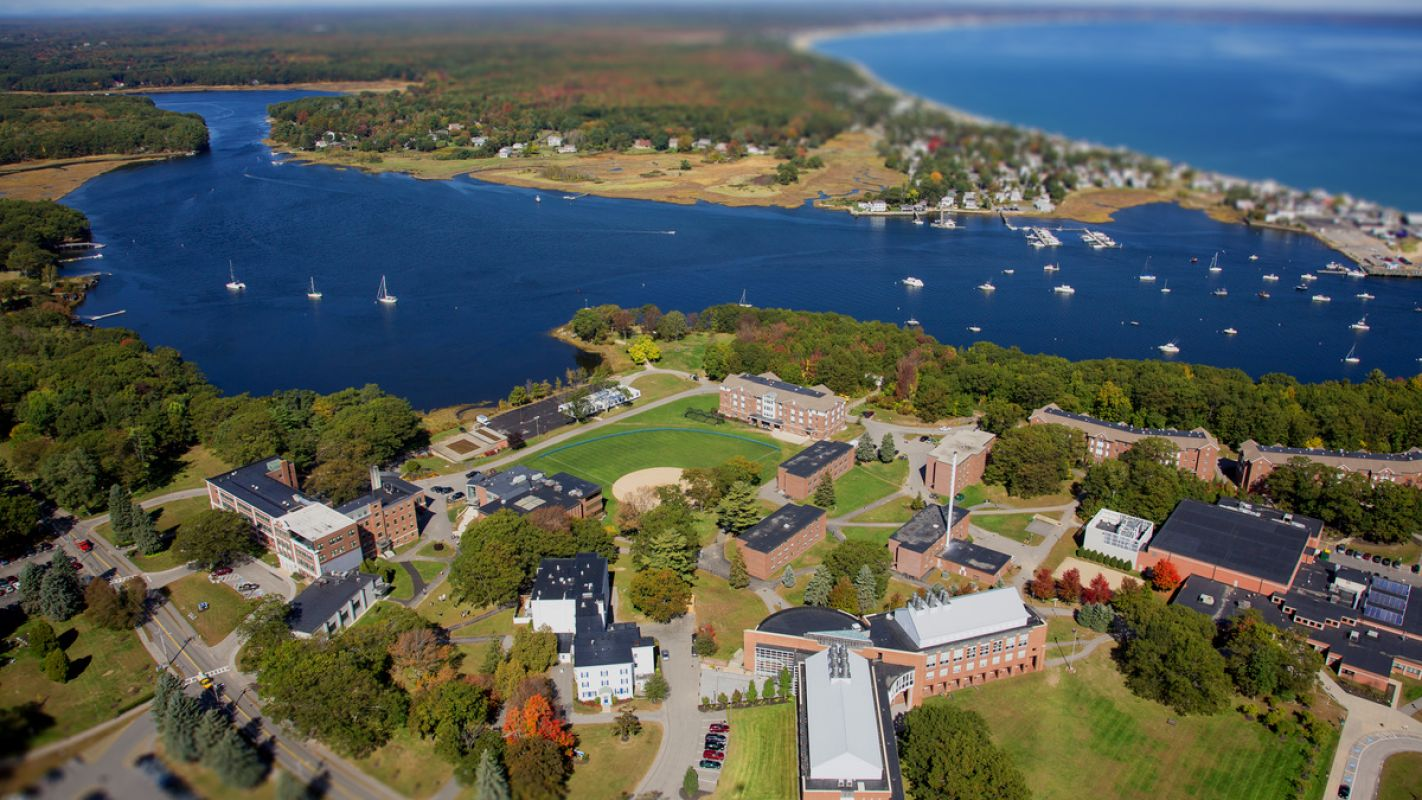 The University of New England Campus 4