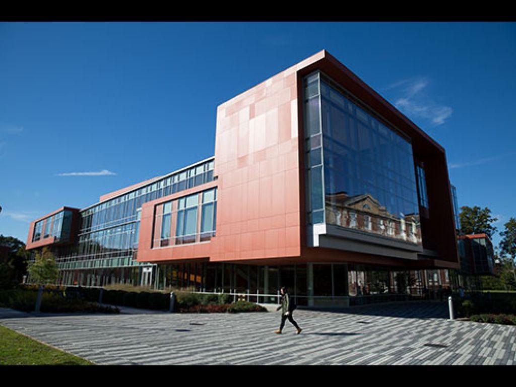Adelphi University Photo 4